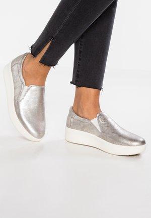 BERLIN PARK - Nazouvací boty - silver