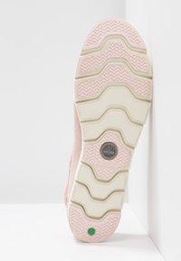 Timberland - CAMDEN FALLS BOAT - Chaussures bateau - light pink - 6