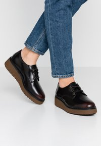 Timberland - BELL LANE DERBY - Lace-ups - dark red - 0
