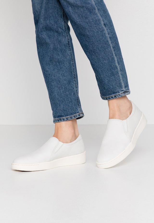 TEYA GORE  - Nazouvací boty - white