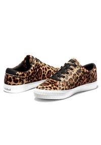 Timberland - SKYLA BAY LEATHER OXFORD - Sneaker low - medium brown - 2