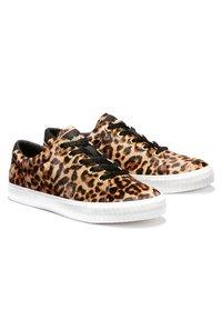 Timberland - SKYLA BAY LEATHER OXFORD - Sneaker low - medium brown - 1