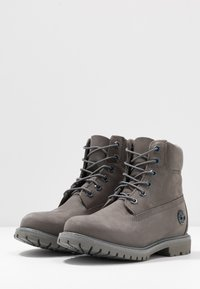 Timberland - PREMIUM BOOT  - Lace-up ankle boots - medium grey - 4