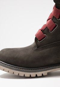 Timberland - 6IN PREMIUM CONVENIENCE - Winter boots - dark green - 2