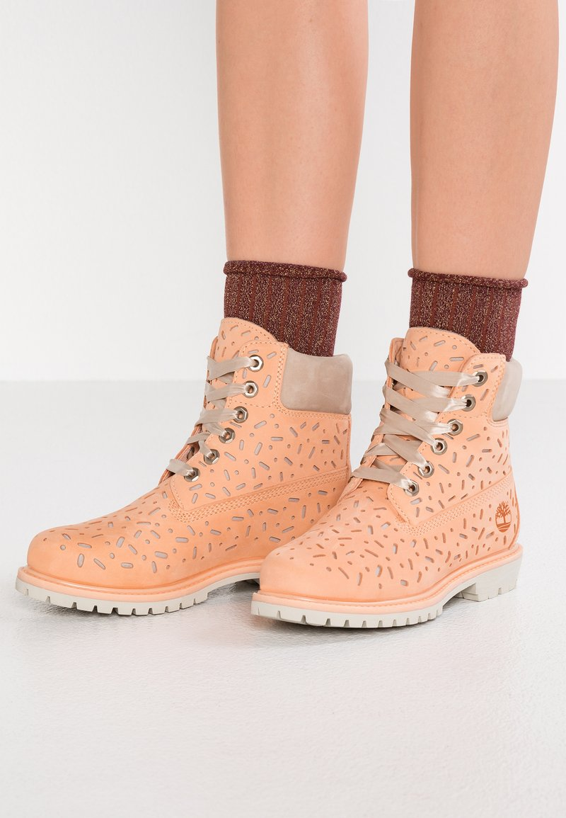 Timberland - 6IN PREMIUM BOOT - Bottines à lacets - light beige
