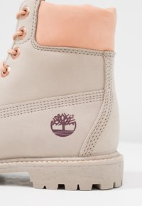 Timberland - 6IN PREMIUM BOOT - Schnürstiefelette - light taupe - 2