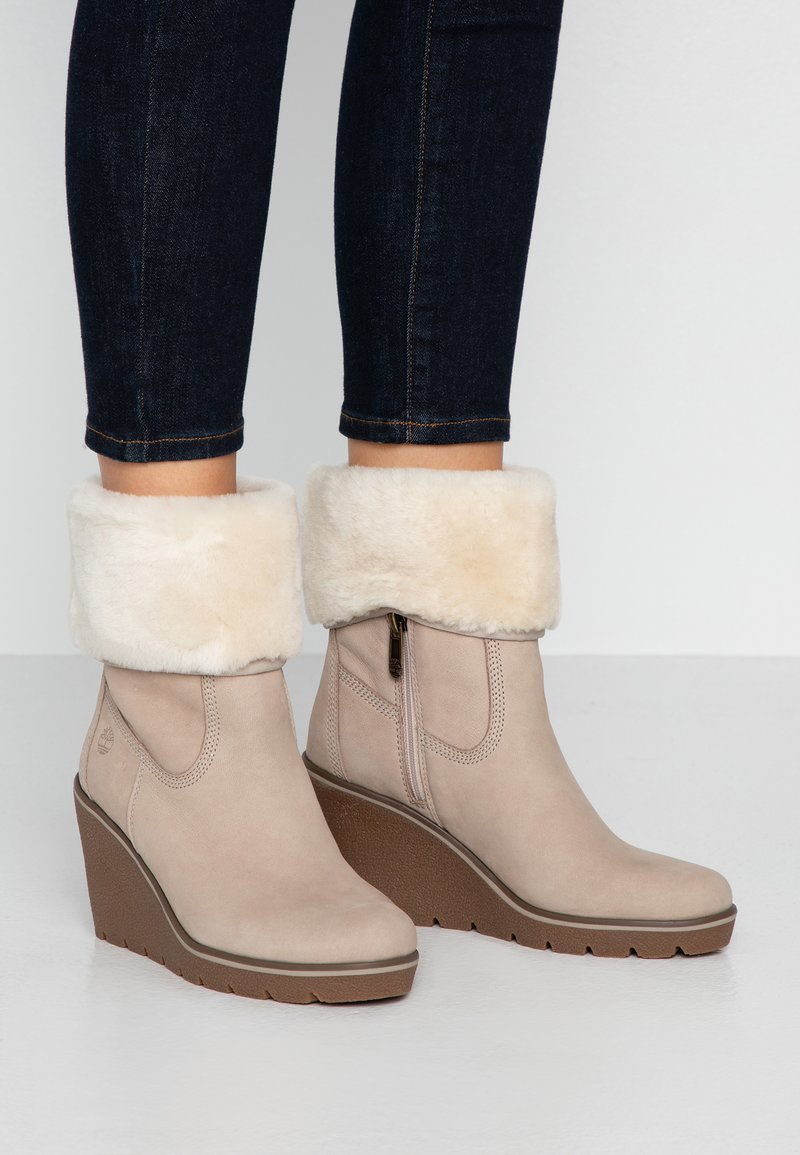 Timberland - PARIS HEIGHT - Bottines à talons hauts - taupe