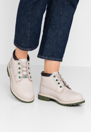 NELLIE CHUKKA DOUBLE - Bottines à lacets - light taupe
