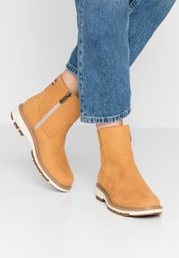 Timberland - LUCIA WAY LOW BOOTIE - Stiefelette - wheat - 0