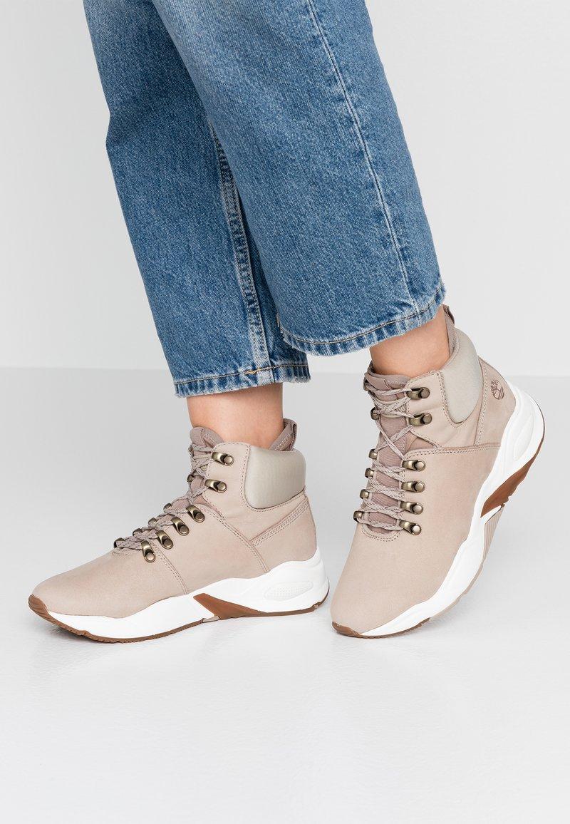 Timberland - DELPHIVILLE HIKER - Sneakers high - light beige