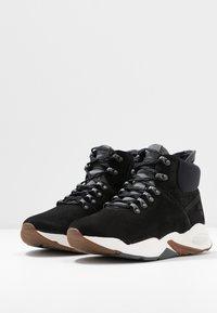 Timberland - DELPHIVILLE HIKER - Zapatillas altas - black - 4