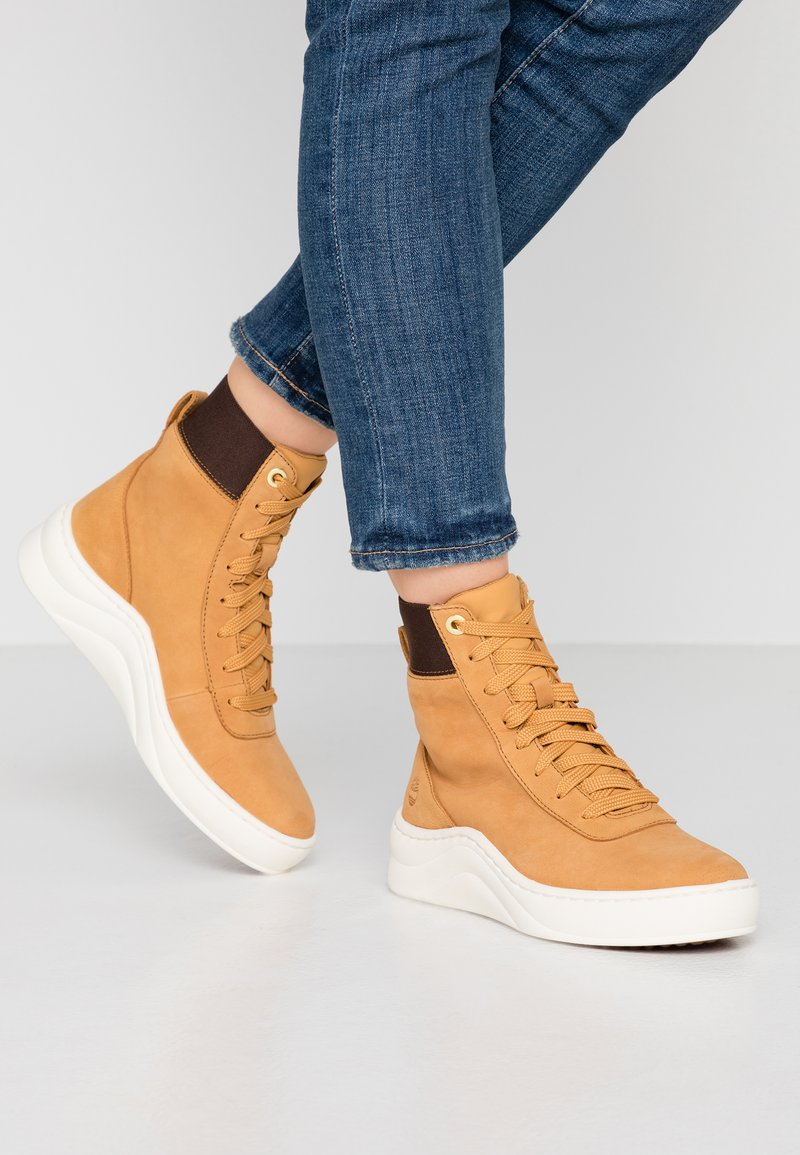 Timberland - RUBY ANN  - High-top trainers - wheat