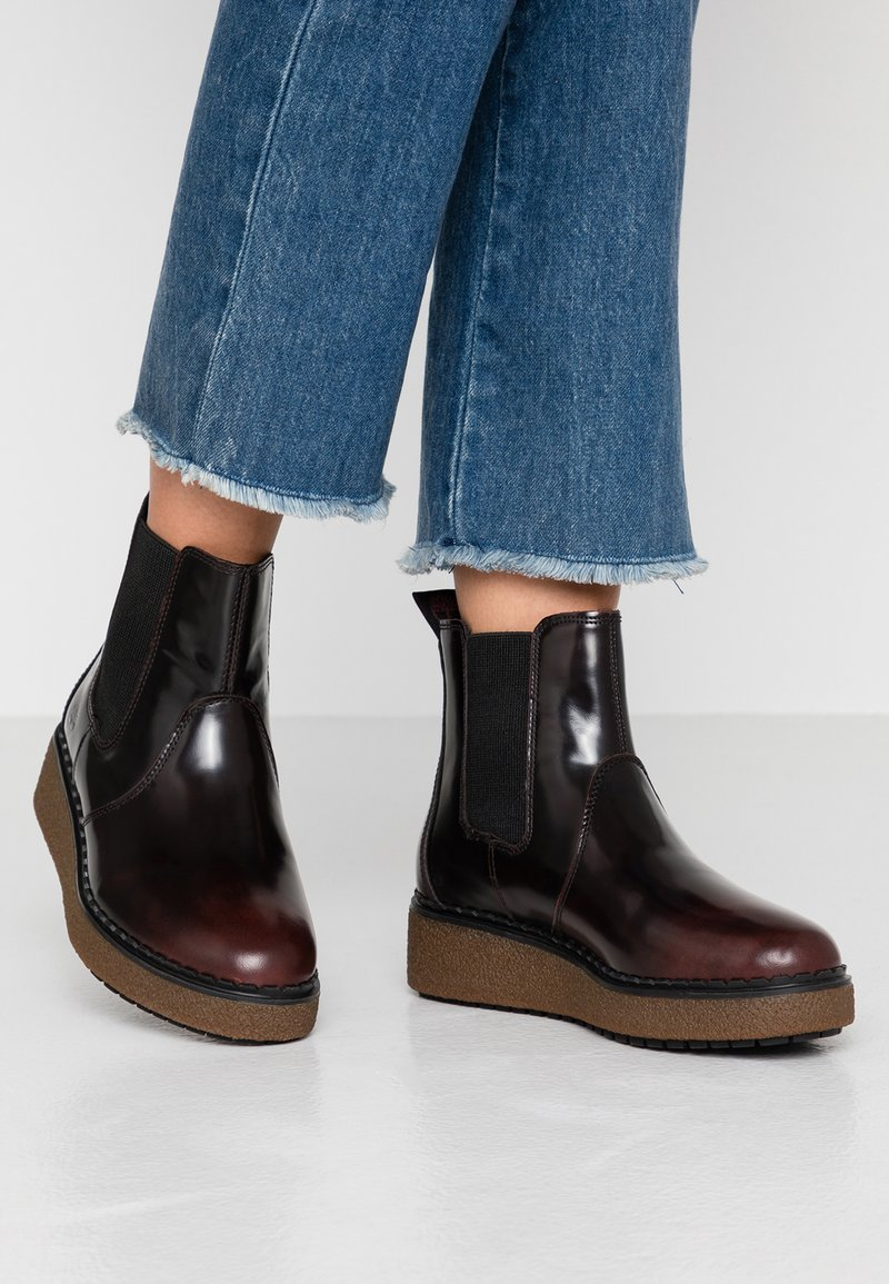 Timberland - BELL LANE - Platform ankle boots - dark red