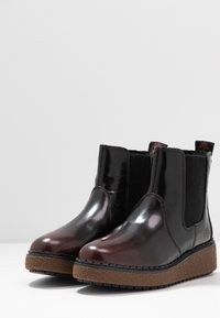 Timberland - BELL LANE - Platform ankle boots - dark red - 4