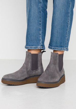 BELL LANE CHELSEA - Wedge Ankle Boots - dark grey