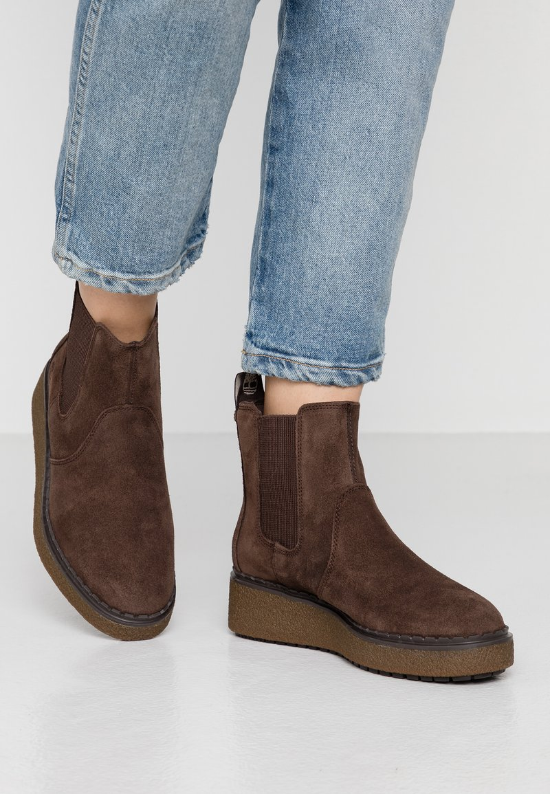 Timberland - BELL LANE CHELSEA - Wedge Ankle Boots - dark brown