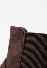 Timberland - BELL LANE CHELSEA - Keilstiefelette - dark brown - 2