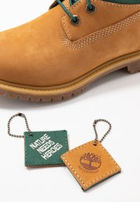 Timberland - 6IN PREMIUM REBOTL WP  - Lace-up ankle boots - wheat - 7