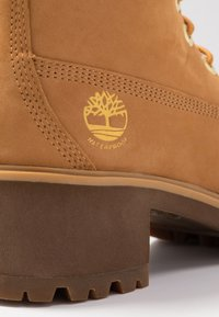 Timberland - KINSLEY WP BOOT - Schnürstiefelette - wheat - 2