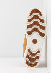 Timberland - KEELEY FIELD NELLIE - Sneaker high - wheat - 6