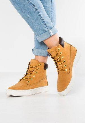 Zapatillas altas - wheat