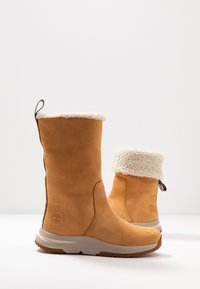 Timberland - MABEL TOWN WP PULL ON - Winter boots - wheat - 7