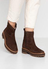 Timberland - COURMAYEUR VALLEY  - Kotníkové boty - dark brown - 0