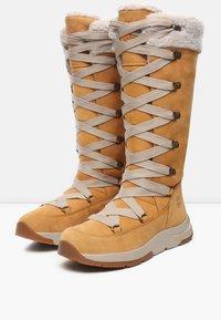 Timberland - MABEL TOWN WP TALL MUKLUK - Lace-up boots - tan - 2