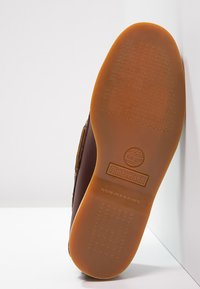 Timberland - CLASSIC 2 EYE - Chaussures bateau - rootbeer - 6