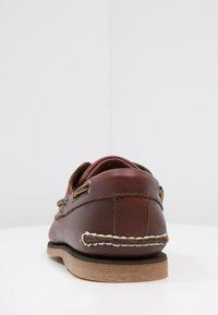 Timberland - CLASSIC 2 EYE - Chaussures bateau - rootbeer - 5