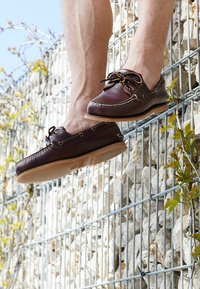 Timberland - CLASSIC 2 EYE - Chaussures bateau - rootbeer - 8