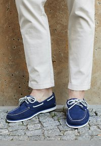 Timberland - CLASSIC 2 EYE - Boat shoes - dark blue - 8