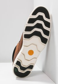 Timberland - BRADSTREET  - Chaussures à lacets - cognac - 6