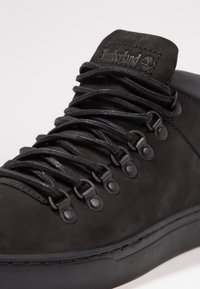 Timberland - ADV2.0 ALPINE CHUKKA - Zapatillas altas - black - 5