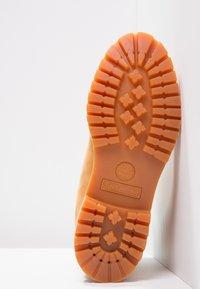Timberland - 6 INCH PREMIUM - Winter boots - wheat - 6