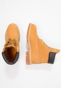 Timberland - 6 INCH PREMIUM - Winter boots - wheat - 3