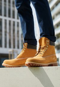 Timberland - 6 INCH PREMIUM - Winter boots - wheat - 8