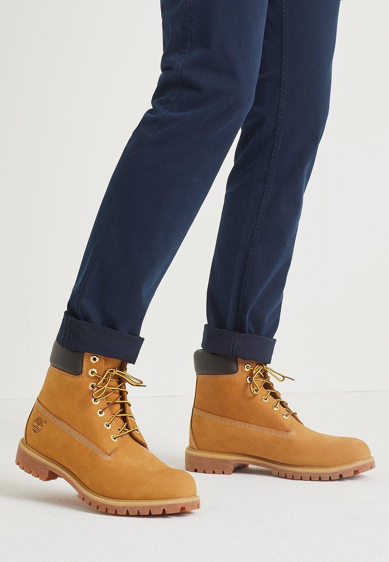 Timberland - 6 INCH PREMIUM - Winter boots - wheat