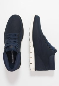 Timberland - BRADSTREET CHUKKA - Trainers - dark blue - 1