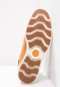 Timberland - KILLINGTON - Lace-up ankle boots - wheat - 4