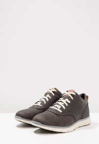 Timberland - KILLINGTON HALF CAB - Zapatos con cordones - pewter/saddleback - 2