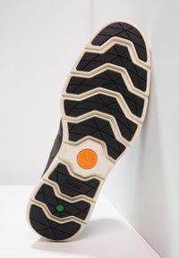 Timberland - KILLINGTON HALF CAB - Zapatos con cordones - pewter/saddleback - 4