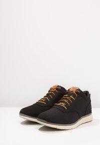 Timberland - KILLINGTON HALF CAB - Zapatos con cordones - black - 2