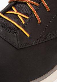 Timberland - KILLINGTON HALF CAB - Zapatos con cordones - black - 5