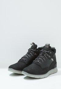 Timberland - KILLINGTON HIKER CHUKKA - Zapatos con cordones - black - 2