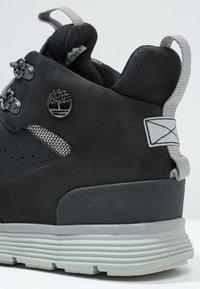 Timberland - KILLINGTON HIKER CHUKKA - Zapatos con cordones - black - 5