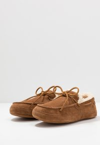 Timberland - TORREZ SLIPPER MOCCASIN - Slippers - rust