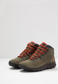 Timberland - WORLD HIKER MID - Bottines à lacets - dark green - 2