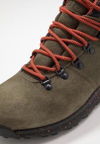 Timberland - WORLD HIKER MID - Bottines à lacets - dark green - 5