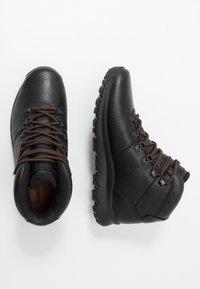 Timberland - WORLD HIKER MID - Bottines à lacets - black - 1